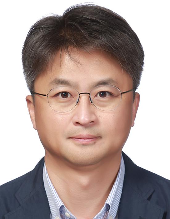 LG생활건강 장기룡 전무.jpg
