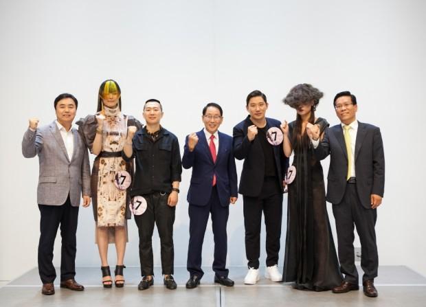 [이미지1] NTVA 2017 최종 우승자 2인과 웰라코리아 관계자들.jpg