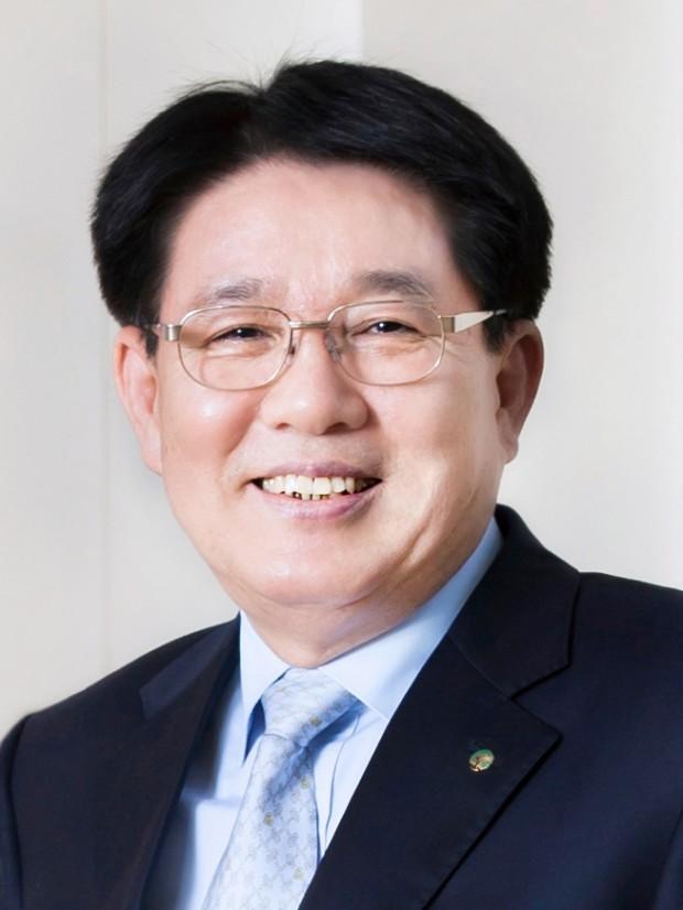 유한양행  이정희 사장.jpg