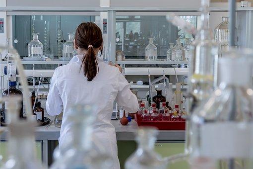 laboratory-2815641__340.jpg