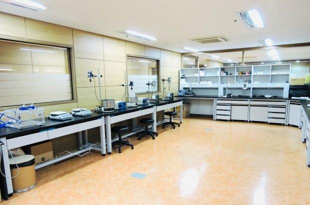 연구실 내부.jpg