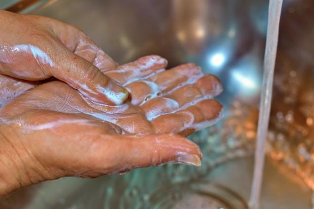 hands-4920860_960_720.jpg
